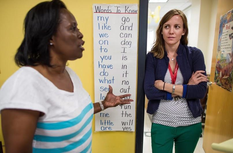 Primary school teachers, encourage reading habit