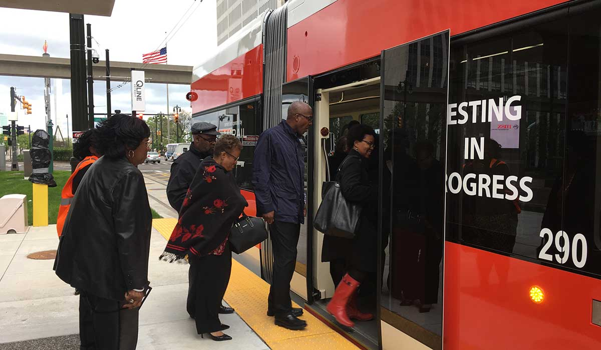 qline riders boarding