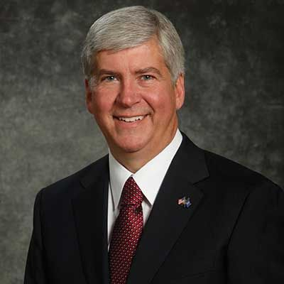 Snyder signs bills that weaken Michigan minimum wage, sick leave laws
