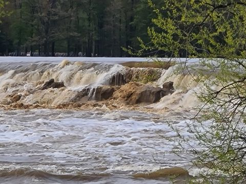 Mid-Michigan dam that failed was cited for years for safety violations