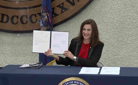 Whitmer signs Clean Slate Michigan, allowing automatic felony expungement